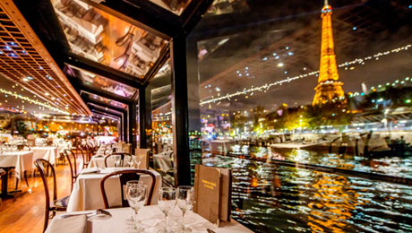 Dinner cruise on the Seine River with France Tourisme, special Valentine's day