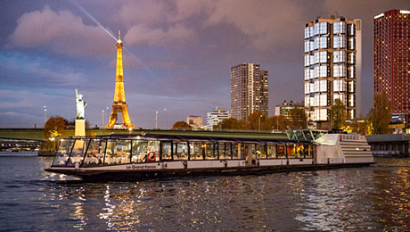 Fine French cuisine, magnificent views and impeccable service for an enjoying cruise